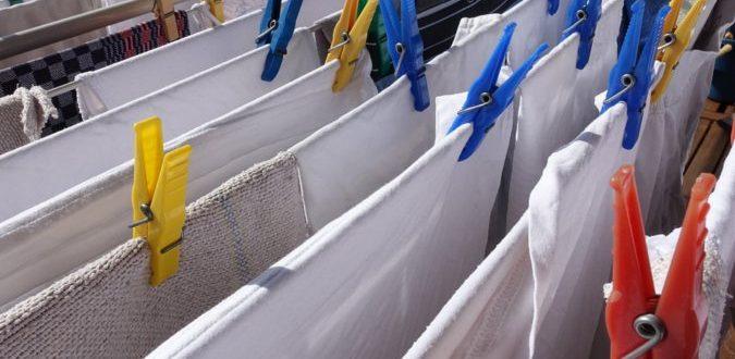 .Jak prać ubrania, aby zachowały śnieżną biel?