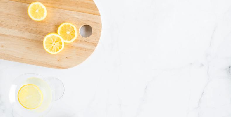 Domowe sposoby na mycie okien - cytryna na domowe mycie okien