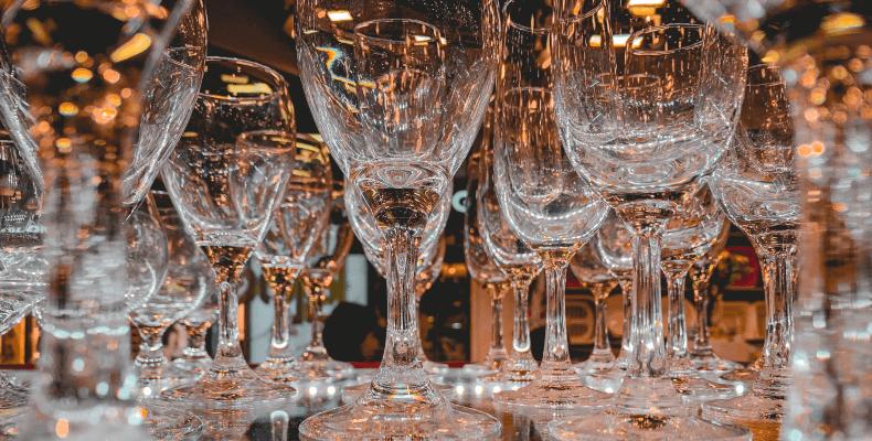 Jak myć szkło bez zacieków