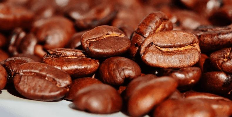 Jak pozbyć się zapachu z butów - kawa