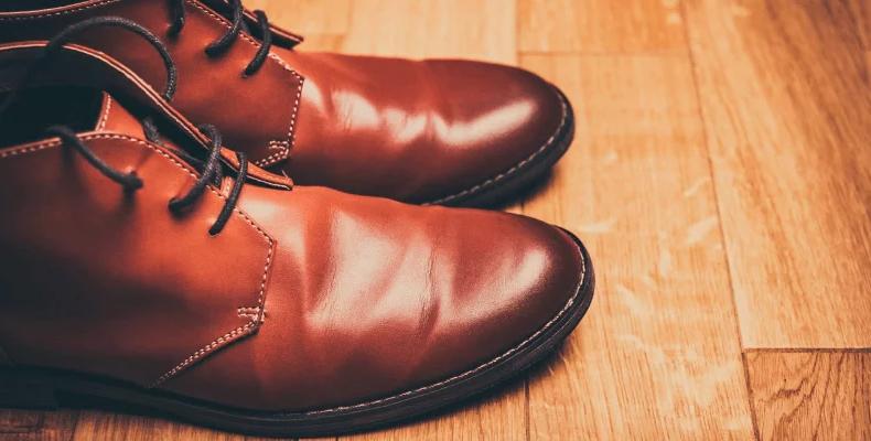 Jak się pozbyć zapachu z butów