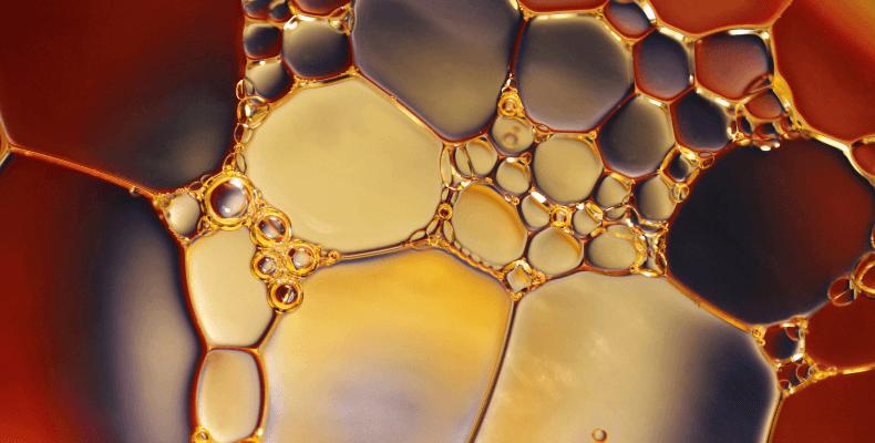 Plamy z oleju silnikowego - usuwanie plam z oleju