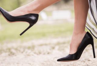 Za ciasne buty - szpilki