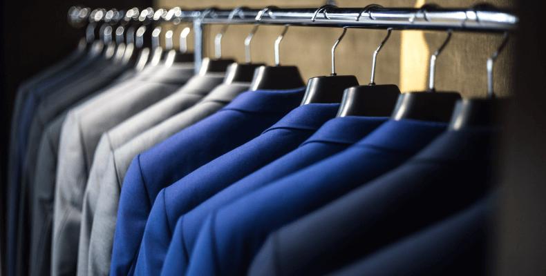 Przechowywanie ubrań - jak przechowywać ubrania
