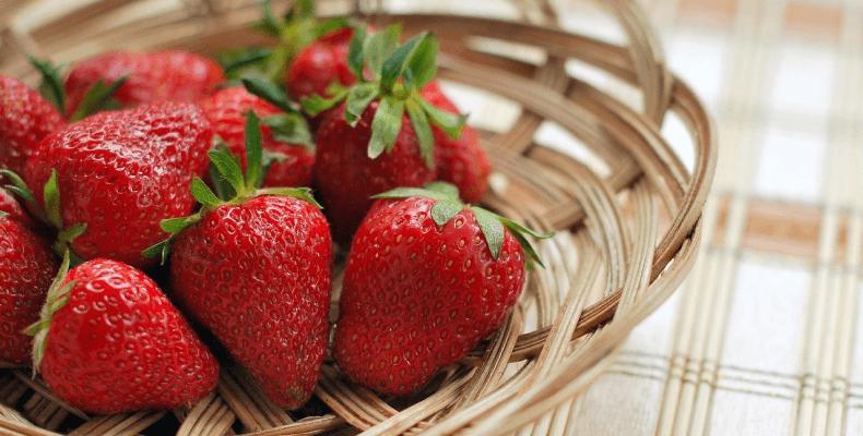 Plamy Z Owoców -Jak Je Usunąć