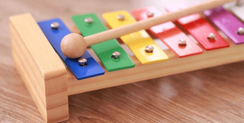 Sprzątanie Zabawek W Pokoju Dziecka