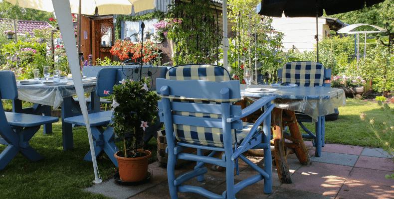 Malowanie mebli ogrodowych - jak pomalować meble ogrodowe