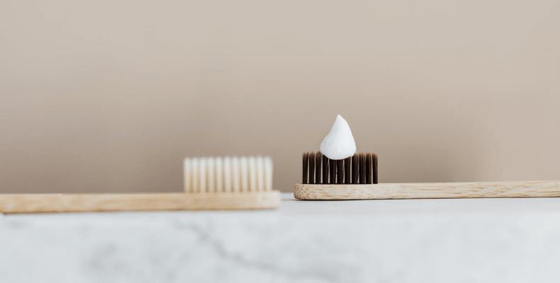 jak wyczyścić srebrną biżuterię pastą do zębów
